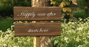 tekstbord Happily ever after starts here