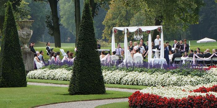 Trouwprieel trouwen in eigen tuin - Prieel frame van ...