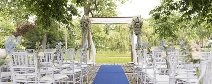 Trouwprieel pure love white weddings - Prieel buiten ...
